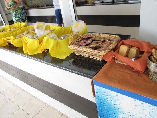 Memphis Beach Hotel : Frühstück