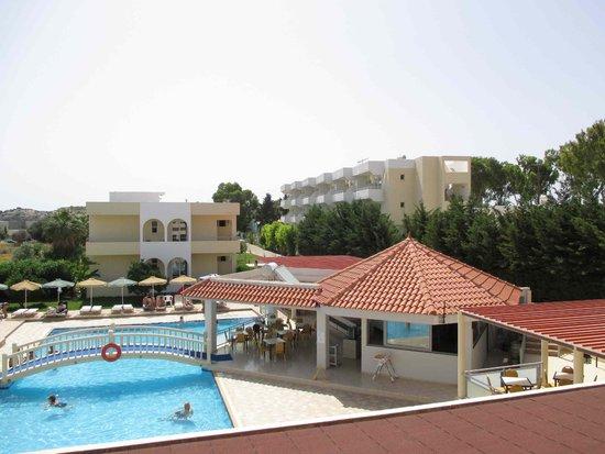 Memphis Beach Hotel : Pool