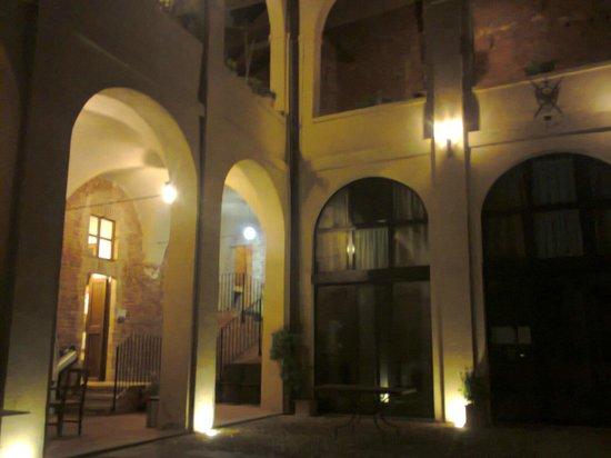 Antico Monastero: ESTERNO