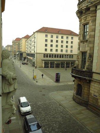 Swissotel Dresden: Vue de la chambre