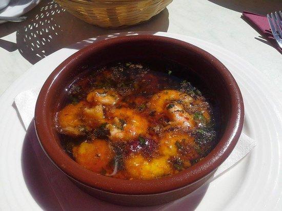 El Soto de Marbella Restaurant: prawn pil pil are great here