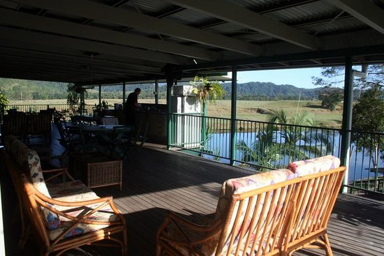 Daintree Riverview Lodges & Camp Ground: Beautiful outdoor kitchen!