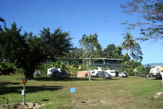 Daintree Riverview Lodges & Camp Ground: View of the lodge from the campground.