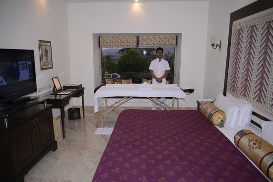 The Lalit Laxmi Vilas Palace Udaipur: In Room Spa Therapies