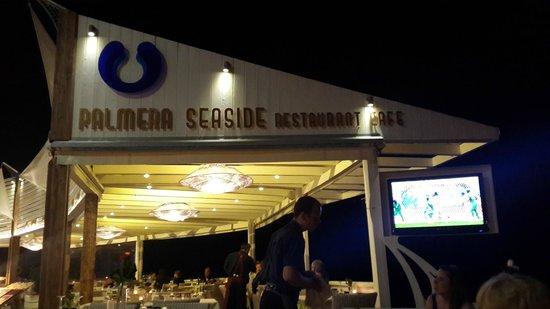 Palmera Beach Hotel : Лучший ресторан на набережной