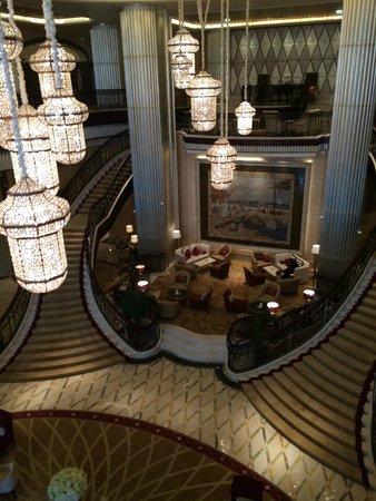 The St. Regis Abu Dhabi: Lobby