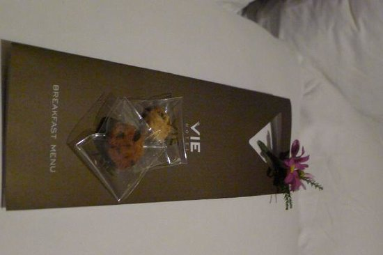 VIE Hotel Bangkok, MGallery by Sofitel: Welcoming cookies