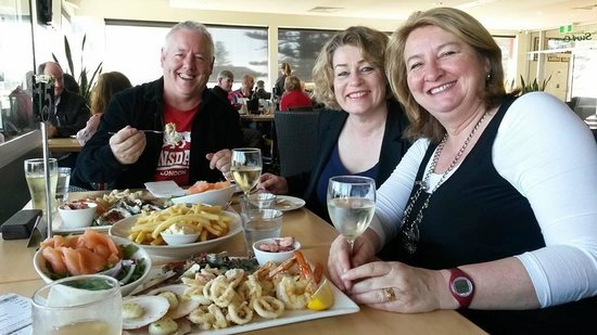 Glenelg Surf Life Saving Club: Dinner with friends