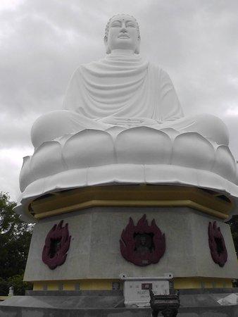Long Son Pagoda : Big Buddha