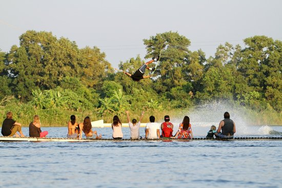 Anthem Wakepark: World's top wakeboarder, Lior Sofer, is showing his skill to all the spectators