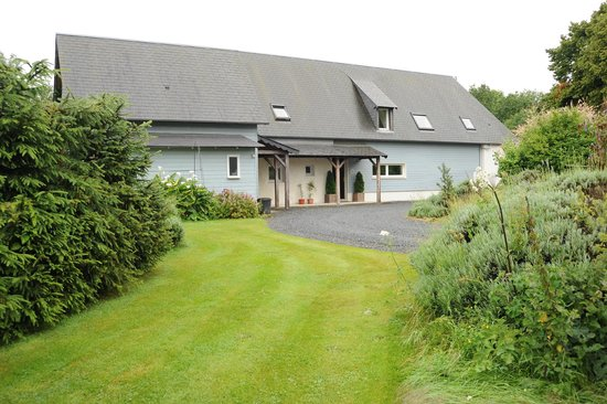 La Maison de Lavande: Semi secluded, your hosts will provide ample parking