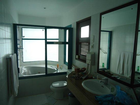Velidhu Island Resort : La salle de bains
