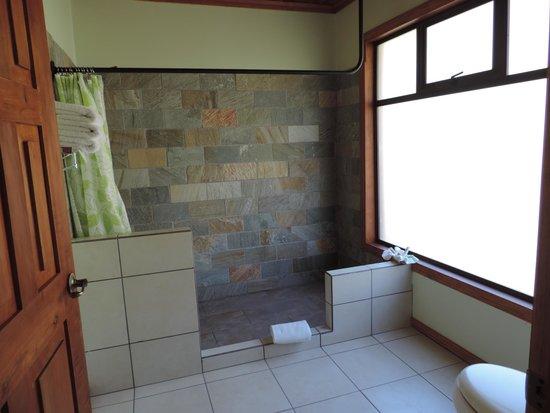 Ficus Sunset Suites Hotel : Baño