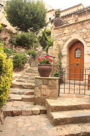 Vila Vella (Old Town): узкие улочки