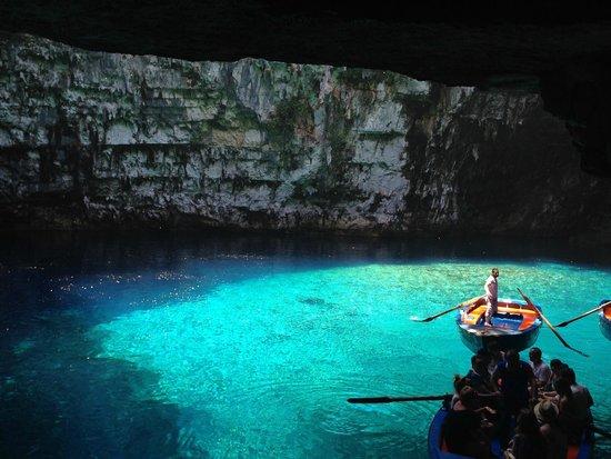 Captain Vangeli's Special Cruises: Lake Melissani