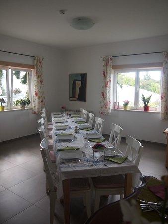 B&B Quinta Verde: Gezellig gedekte tafels voor ontbijt en wekelijks diner