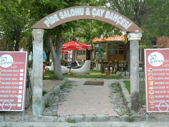 Green Garden Cafe: giriş1