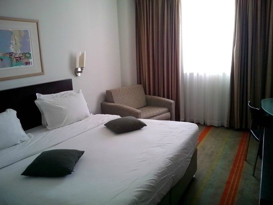Grand Beach Hotel: Bed room, 9th floor