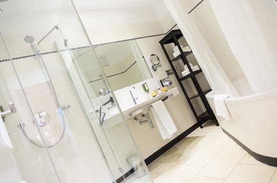 Hotel SPIESS & SPIESS Appartement-Pension: Garden Suite Bathroom