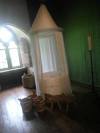 Leeds Castle: Baby's room