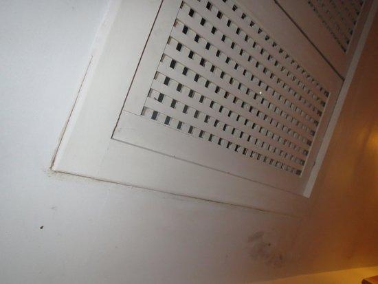 Chich Khan: fuite du climatiseur malgré 5 interventions