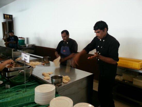 Lotus Desaru Beach Resort: Breakfast