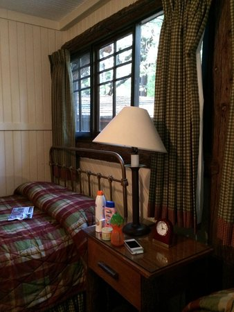 Half Dome Village : Private cabins with bathrooms at Curry Village
