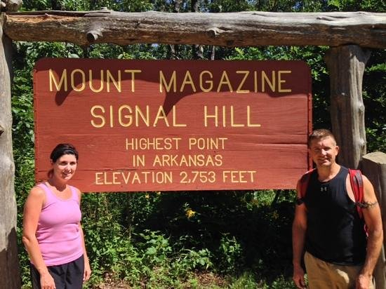 The Lodge at Mount Magazine : Easy hike from the Lodge to the official peak