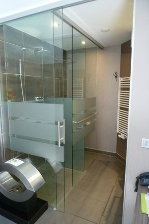 Hotel Kolb & Inselchalets: Dusche
