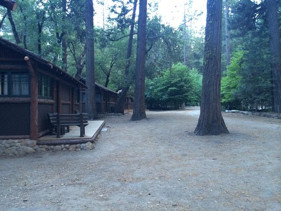 Half Dome Village: Private cabins with bathrooms at Curry Village