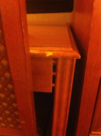 Stratosphere Hotel, Casino and Tower: BROKEN FURNITURE
