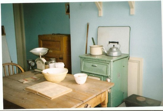 Black Country Living Museum: loved this kitchen