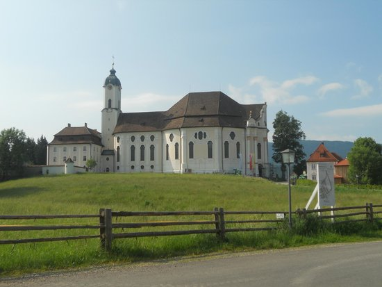Wieskirche: Wies church: view from parking lot