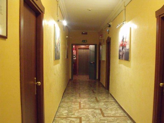 Hotel La Pace : pasillo hotel
