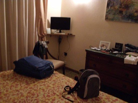 Hotel La Pace : dormitorio
