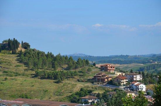 La Pieve Albergo Ristorante: Uitzicht op San Migimiano