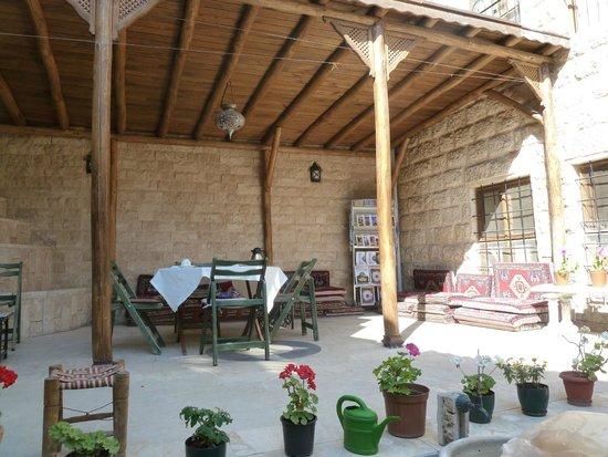 Ali Bey Konagi: Terrace (for breakfast)
