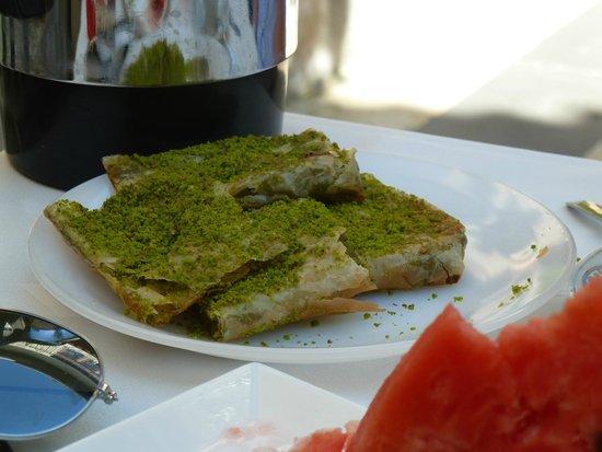 Ali Bey Konagi: Breakfast