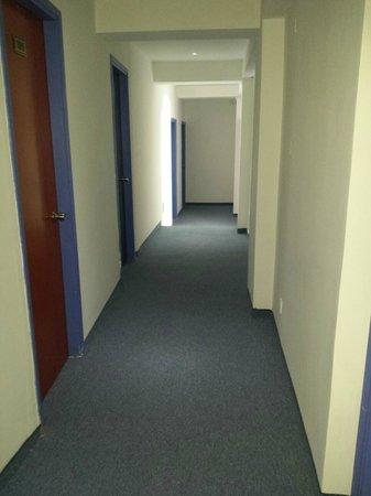 Mariandy Hotel: коридор