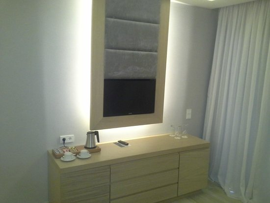 Atlantica Imperial Resort & Spa: Fernsehpaneel