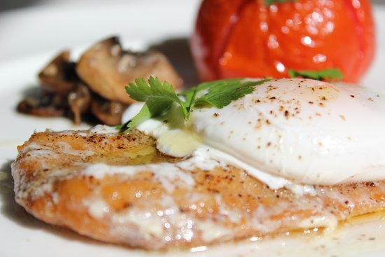 Glenardoch House: Smoked fish topped with poached egg