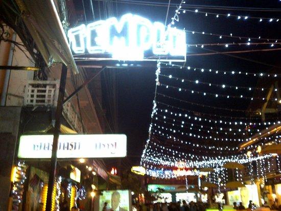 Temple Club: Light Sign