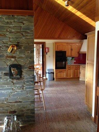 St Mellion International Resort: Lodge 1 - towards the Kitchen area