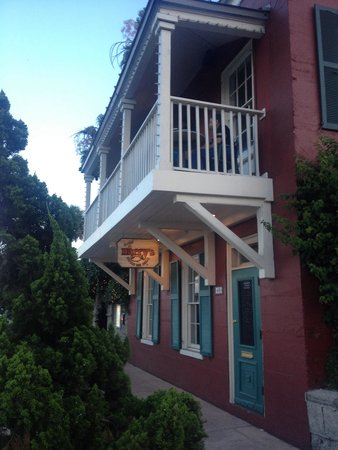 Harry's Seafood Bar and Grille : 18th Century Charm!