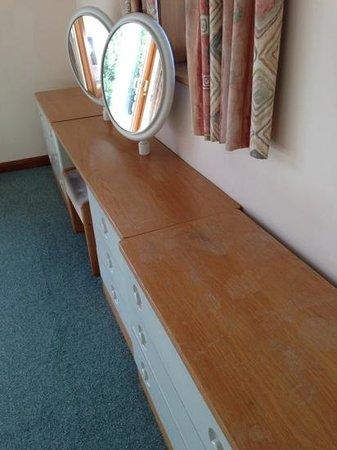 St Mellion International Resort: Lodge - bedroom furniture