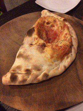 Pronto Pizza : Calzone