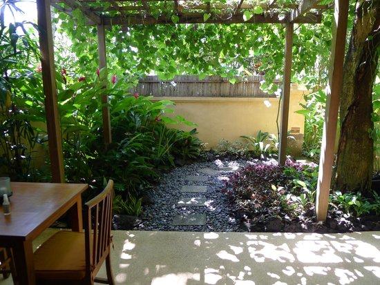 Komaneka at Monkey Forest : Private veranda