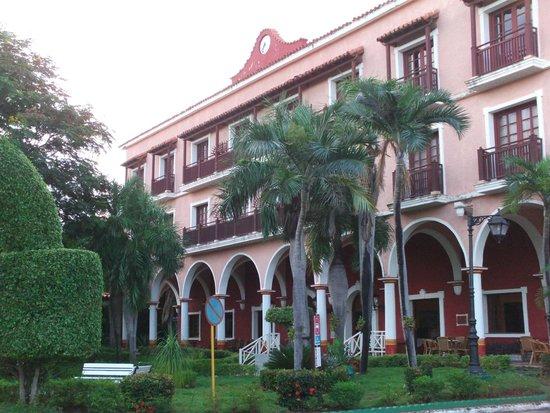 Hotel Colonial Cayo Coco : Èdifice principal