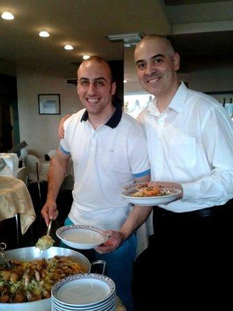 Hotel Alba: Nicolas, Lele ...e la cena di pesce