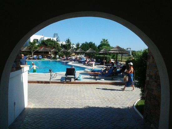 Naxos Resort Beach Hotel: Fint og rent basseng